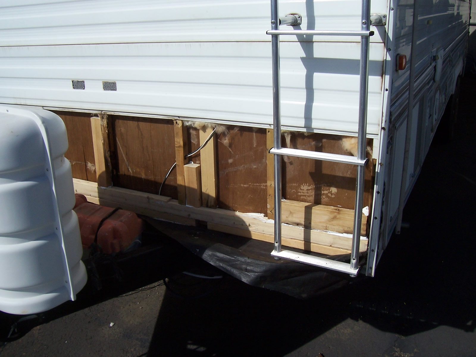 Trailer Front 018