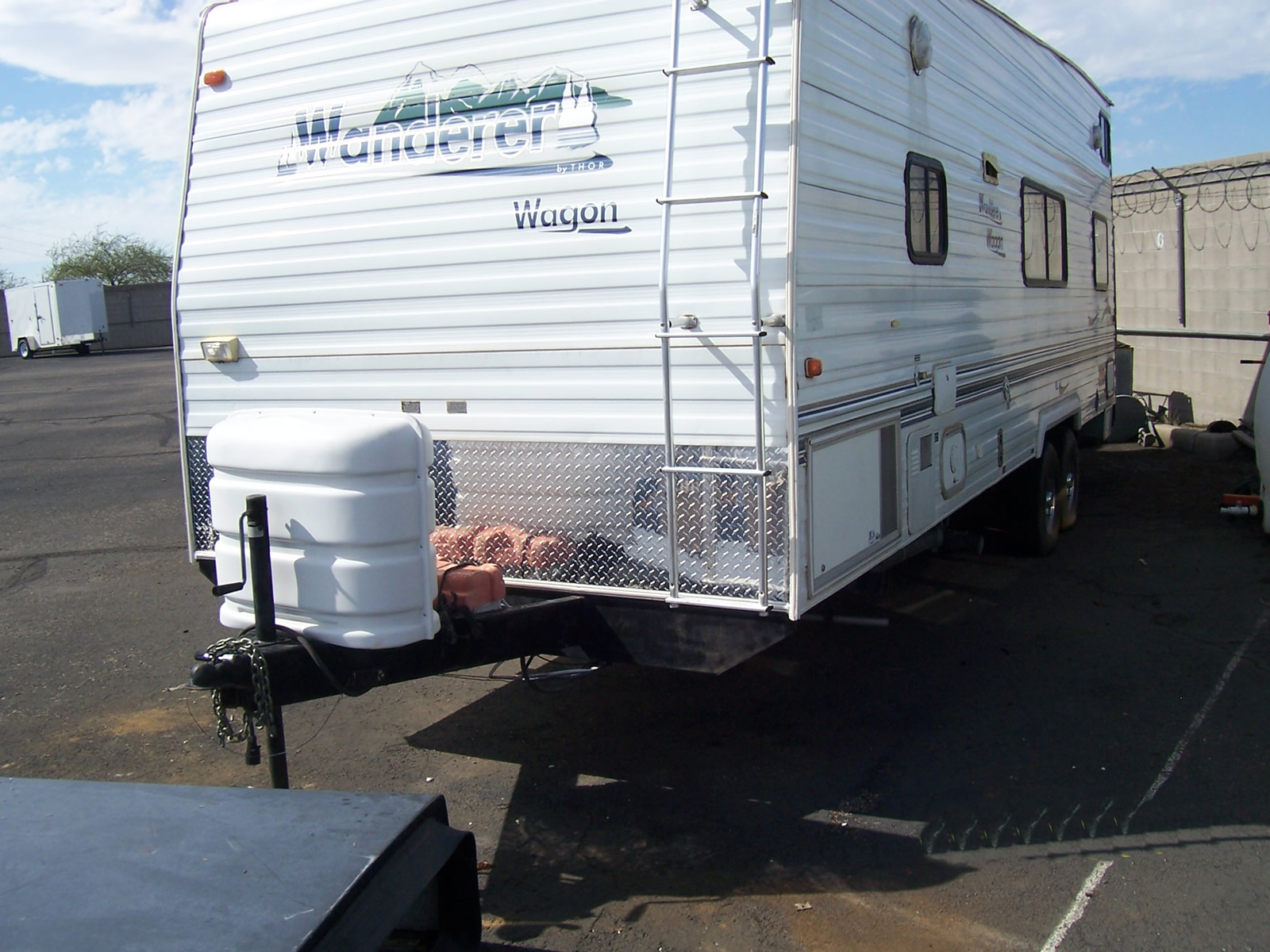 Trailer Front 025